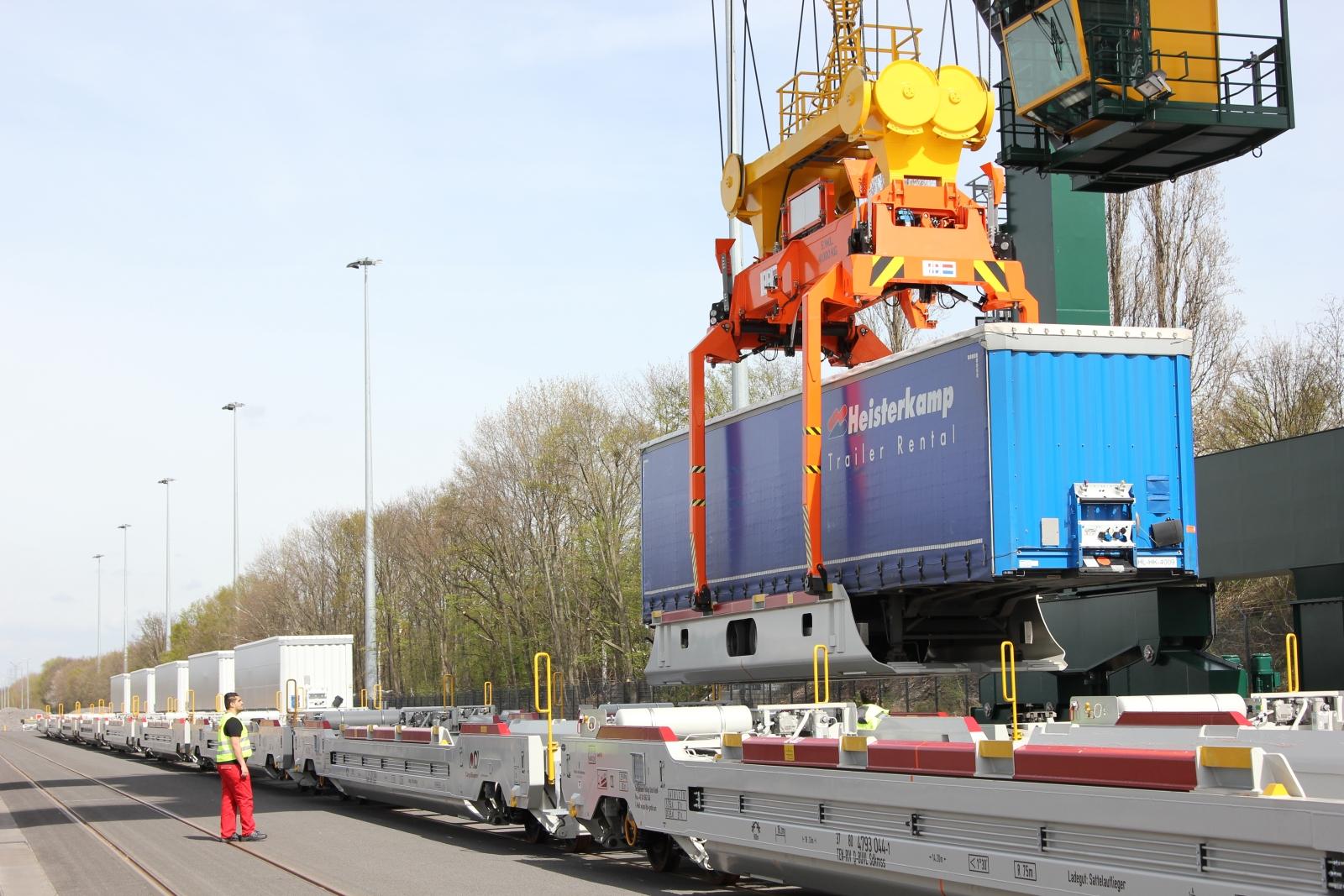 Köln Nord Terminal Cargobeamer Verkranung