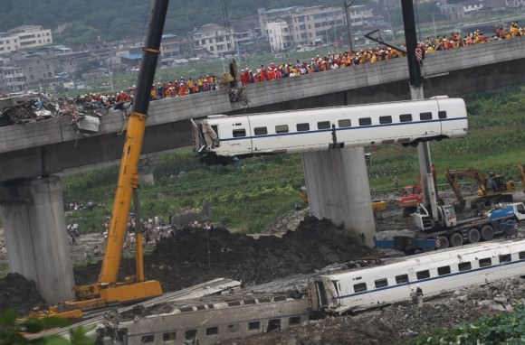 Eisenbahnunglück China Wengzhou Hochgeschwindigkeitszug 2011