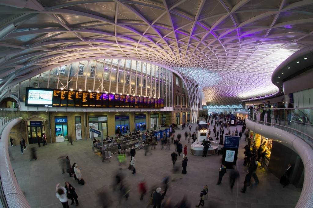Neue Bahnhofshalle London King's Corss Architektur John McAslan ARAP Innenansicht