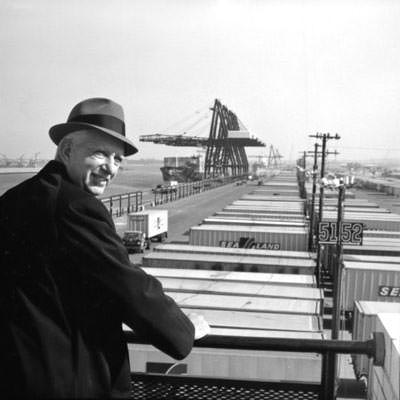 Der Erfinder des Containertransport Malcolm McLean