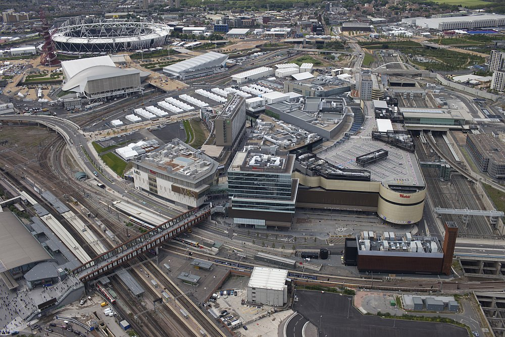Luftbild Olympiastadion London Bahnhof Statford Olympiapark