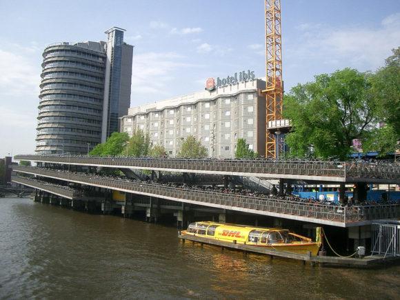 Amsterdam Fahrradparkhaus fietsparkeren