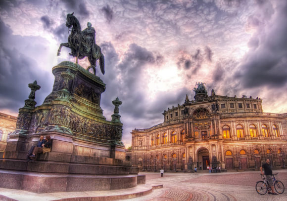 Theaterplatz Semperoper Dresden