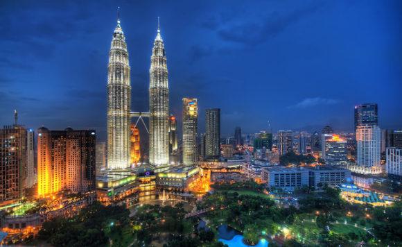 Nächtliche Skyline von Kuala Lumpur