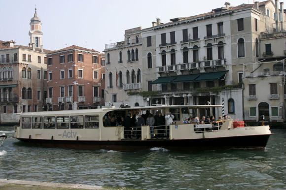 Vaporetto Venedig Wassertaxi