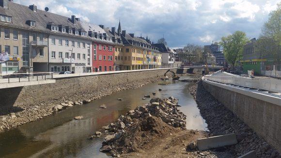 umbau-siegplatte-28_04_2015-siegen-fluss-boulevard-stadtentwicklung-sieg_creative-commons_4
