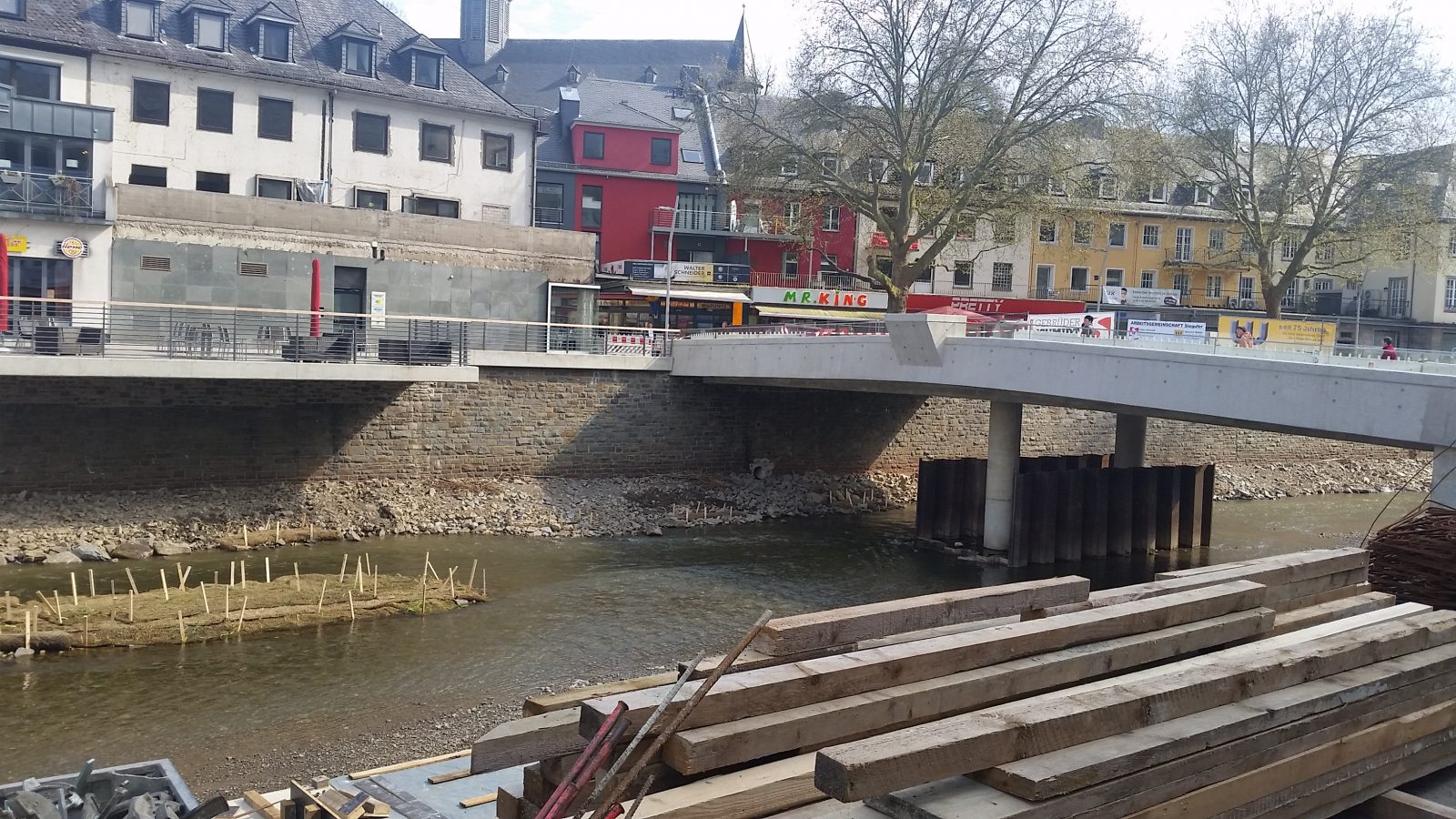 umbau-siegplatte-28_04_2015-siegen-fluss-boulevard-stadtentwicklung-sieg_creative-commons_5