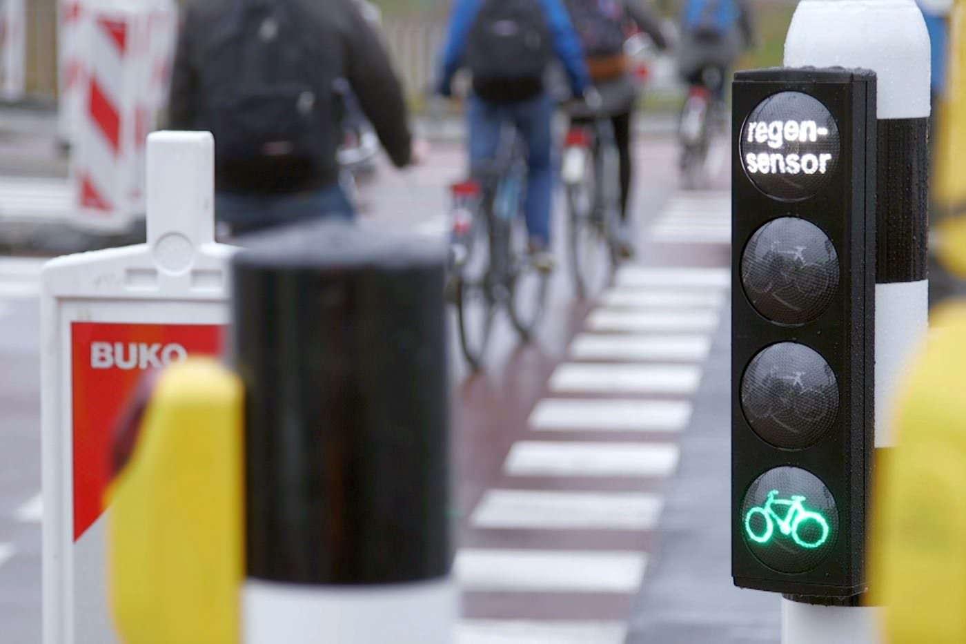 Angepasste Ampelsteuerung für Radfahrer bei Regen – sinnvoll oder reine PR?