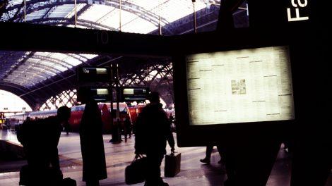 Lichtspiel am Bahnhof Leipzig