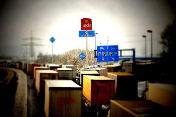 Stau LKW auf deutschen Autobahnen