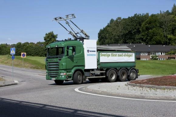 Stromabnehmer des eHighway-Fahrzeugs Siemens Scania