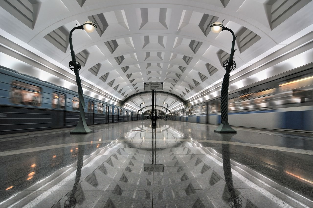 video zum feiertag die moskauer metro zukunft mobilit t. Black Bedroom Furniture Sets. Home Design Ideas