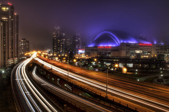 Toronto bei Nacht von Johnny Peacock