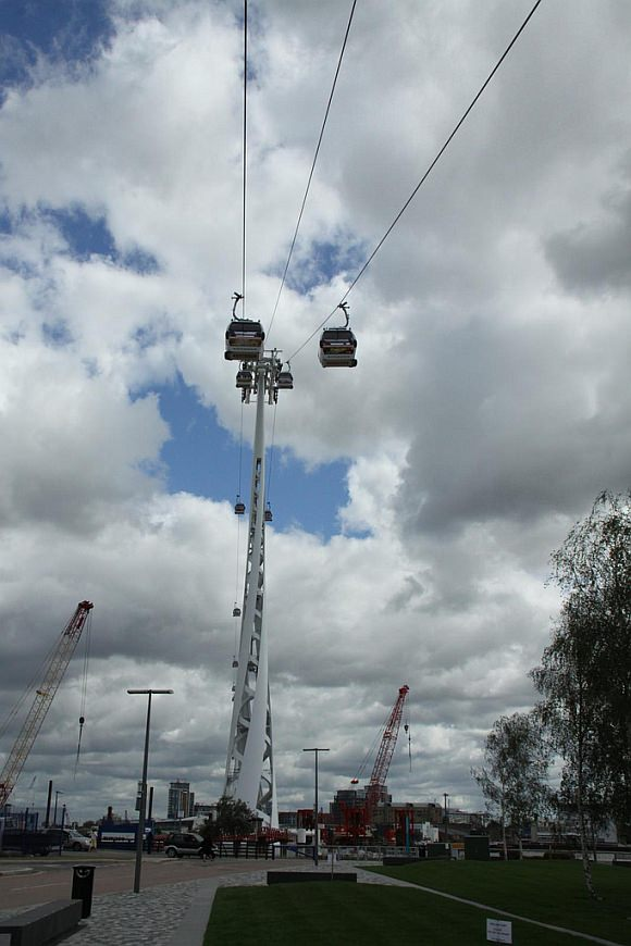 Stützen der Seilbahn london Emirates Air Line