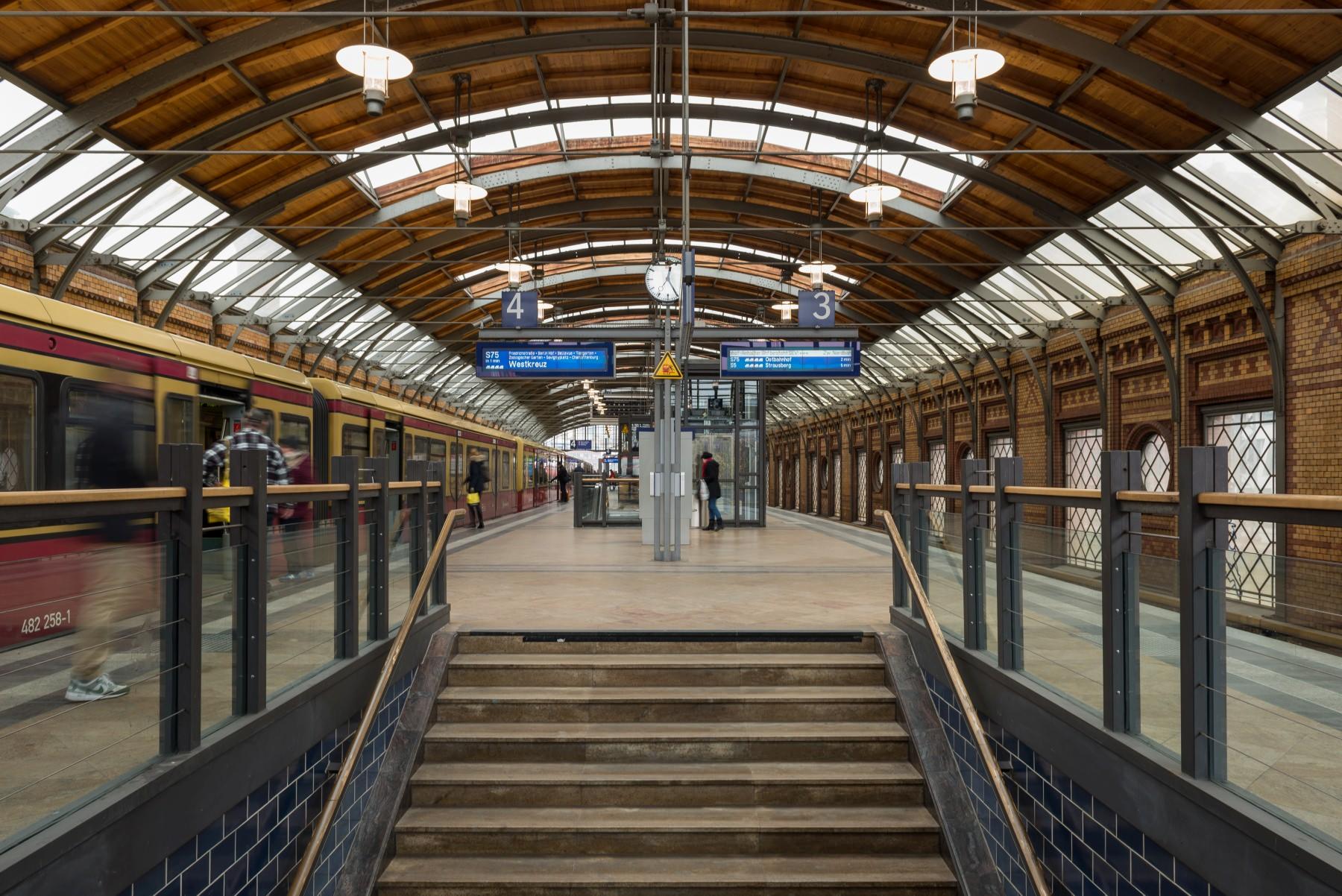 Berlin Hackescher Markt S-Bahnhof Berlin S-Bahn