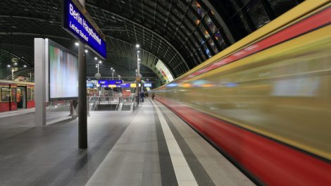 Hauptbahnhof Berlin oben S-Bahn Berlin Hbf