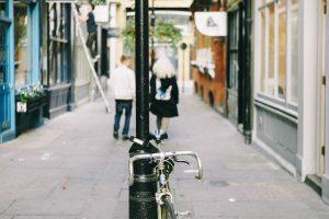 Radverkehr Fotografie London Blumenschmuck