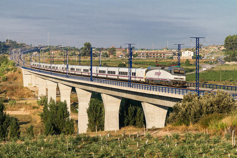 Trenhotel Coruna Barcelona Renfe Spanien
