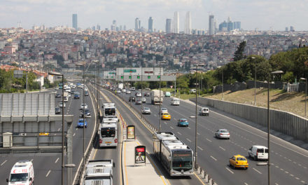 Öffentlicher Personennahverkehr in Istanbul: Eine Studie über Entwicklung und Zustand des öffentlichen Nahverkehrs in Istanbul