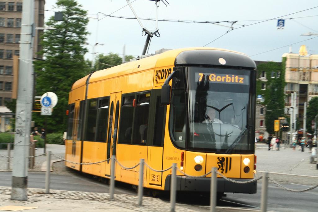 DVB Straßenbahn NGT D12DD