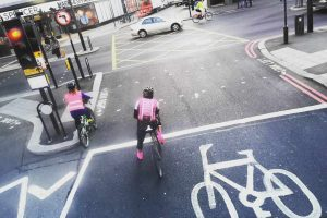 Radfahrer in London rosa cycle London cycling pink