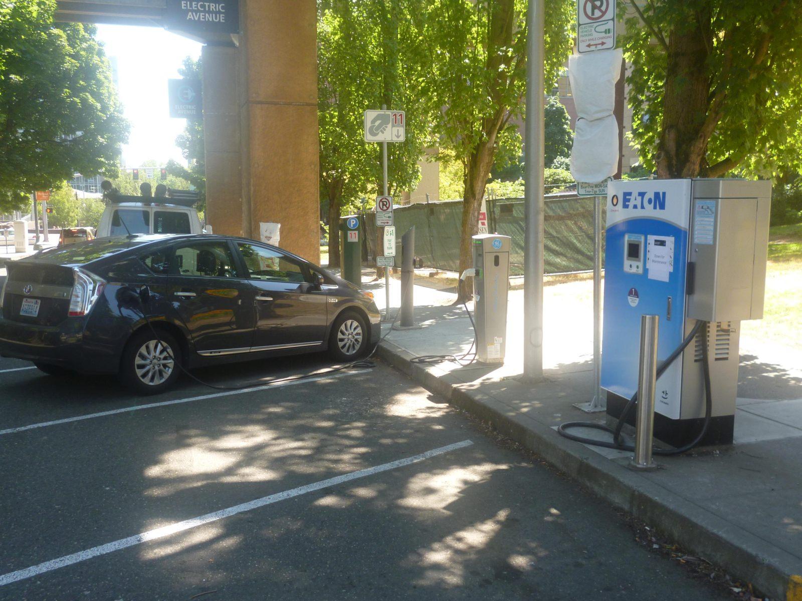 Electric Avenue Portland Universität Ladesäulen Elektrofahrzeuge