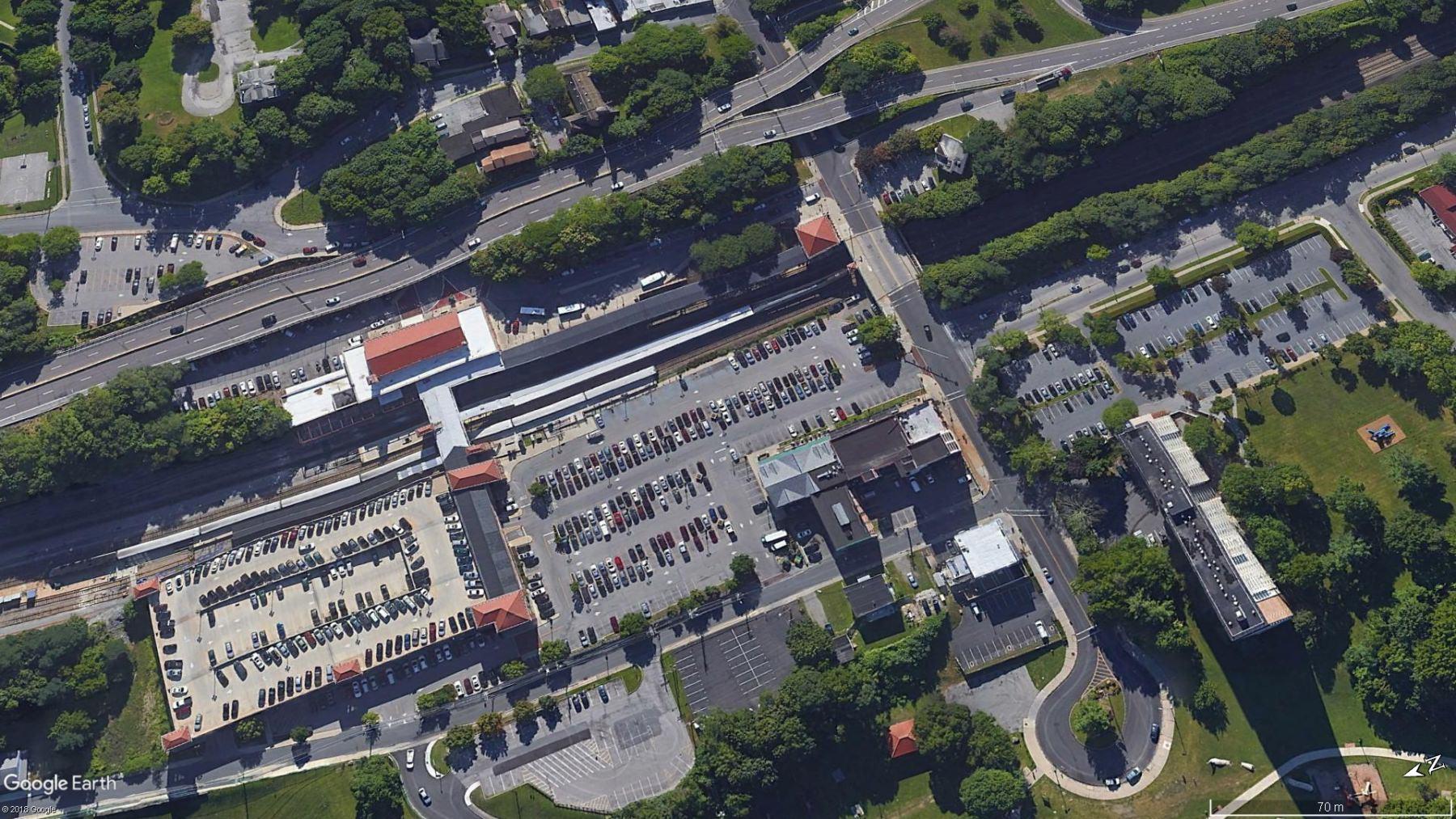 Parking Poughkeepsie Station Metro North
