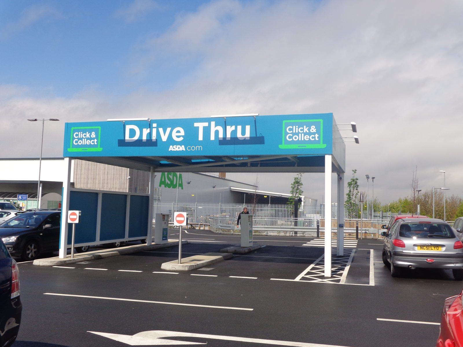 Click & Collect Großbritannien UK Drive Through Click & Collect